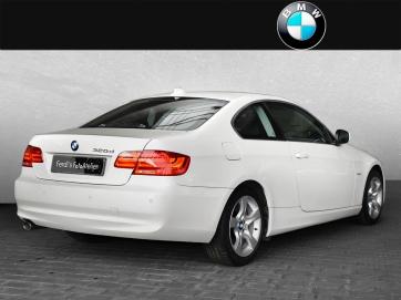 BMW320d_02