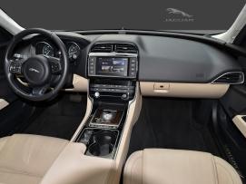 JaguarXE25d_03